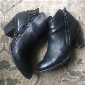 Paul Green Aubrey Black Leather Boots Sz 9.5
